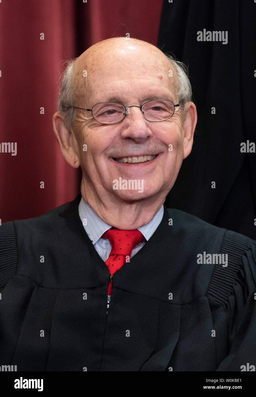 Supreme Court Associate Justice Stephen Breyer poses during the official Supreme Court group portrait at the Supreme Court on November 30, 2018 in Washington, D.C. Photo by Kevin Dietsch/UPI - Stock Image