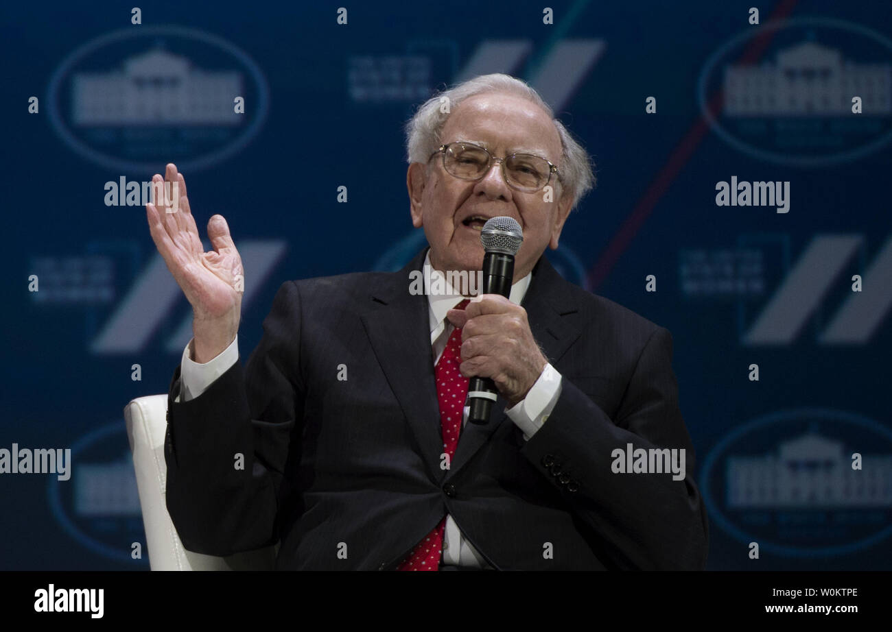 Warren Buffett speaks at the White House United State of Women Summit in Washington, D.C. on June 14, 2016.   Photo by Molly Riley/UPI - Stock Image