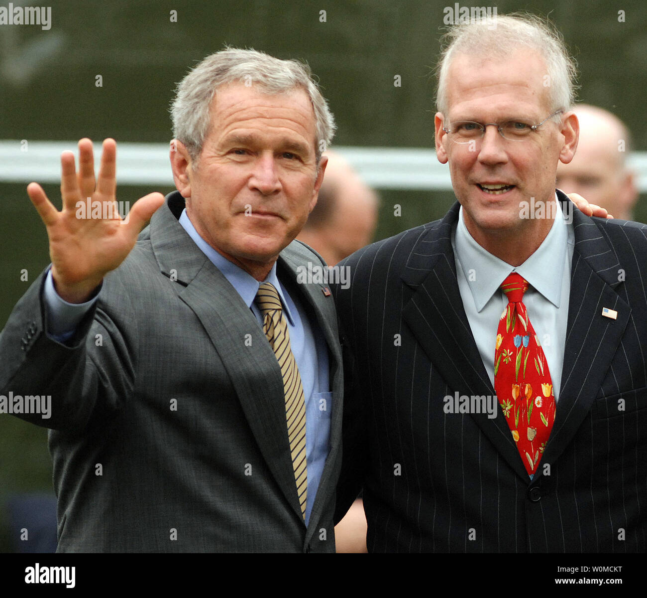 Former White House Press Secretary Tony Snow R Pictured With U S President George W Bush At The White House In Washington On September 14 2007 Snow S Last Day As Press Secretary Died