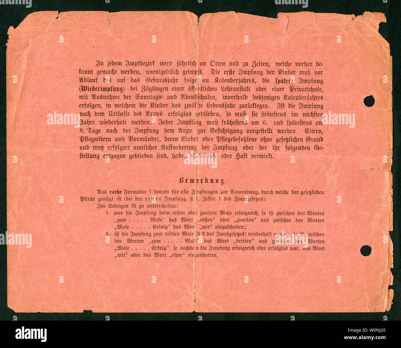 Europa, Deutschland, Hamburg,  roter Impfschein , Rückseite, ausgestellt am 17. 09. 1900, siehe auch Nr. 1006007 . /  Europe, Germany, Hamburg, red ce Stock Photo