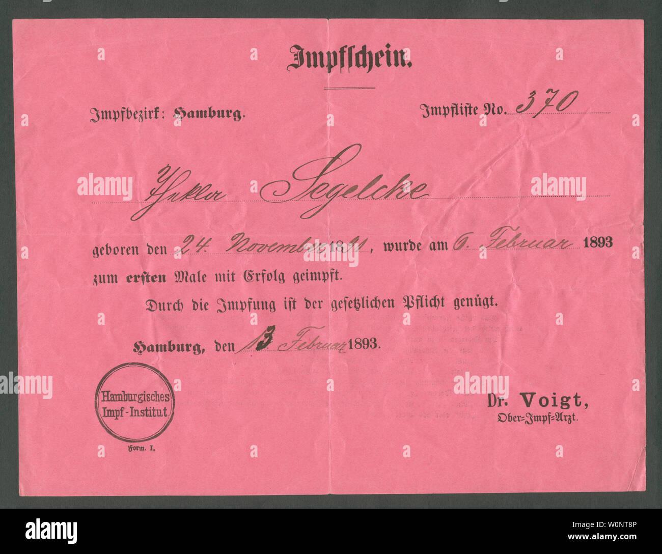 Europa, Deutschland, Hamburg,  roter Impfschein , Vorderseite, ausgestellt am 13. 02. 1893 /  Europe, Germany, Hamburg, red certificate of vaccination Stock Photo