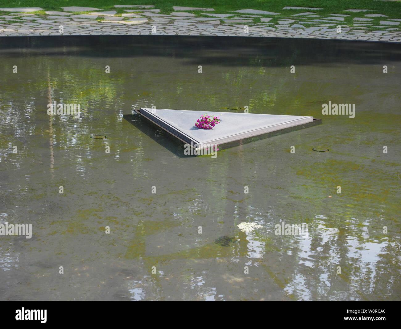 BERLIN, GERMANY - CIRCA JUNE 2019: Denkmal fuer die im Nationalsozialismus ermordeten Sinti und Roma Europas (Memorial to the Sinti and Roma of Europe Stock Photo