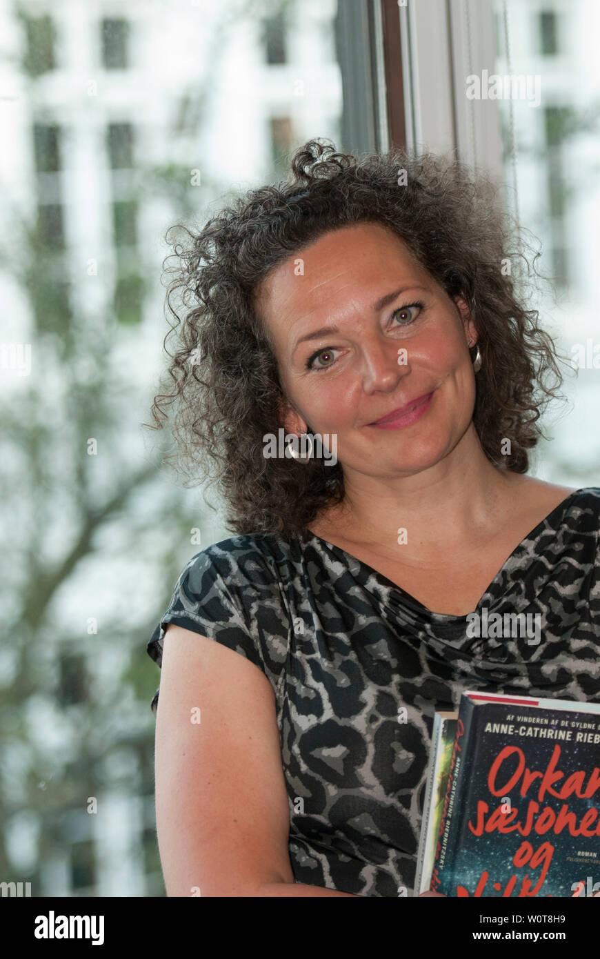 Die Daenische Erfolgsautorin Anne-Cathrine Riebnitzsky hielt am 18.04.2018 in Flensburg, in der  Dansk Centralbibliotek for Sydslesvig, eine Lesung. Stock Photo
