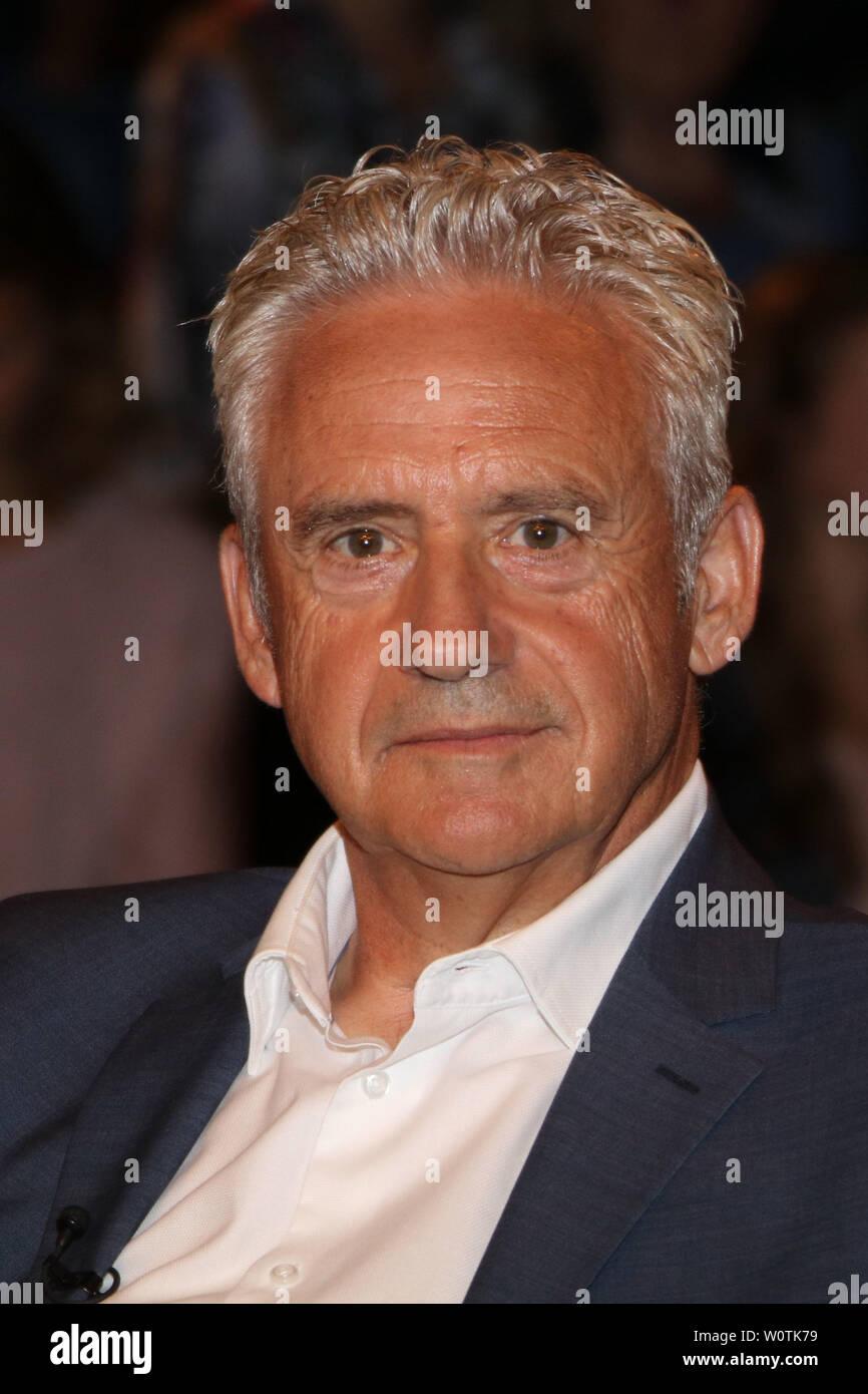 Helmut Kremers, Ex-Profis, Lanz, Sendung 2 vom 11.07.2018, Hamburg - Stock Image