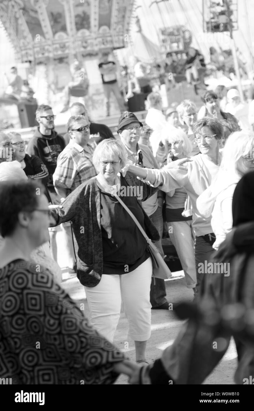 Tanz-Flashmob on 08 07 2017 in Flensburg at the harbour tip