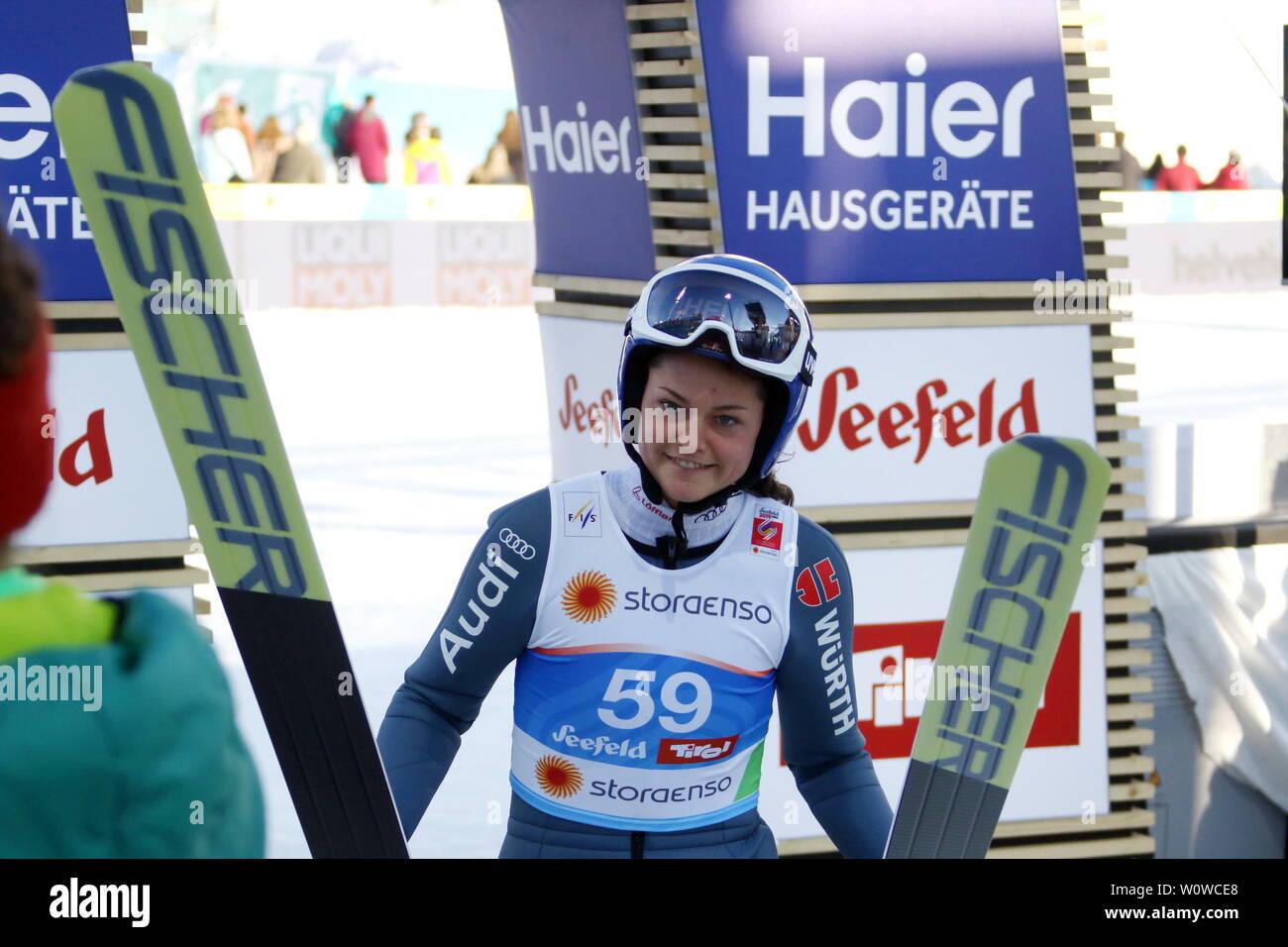 Carina Vogt (SC Degenfeld) nach dem Training Frauen Skispringen, FIS Nordische Ski-WM 2019 in Seefeld Stock Photo