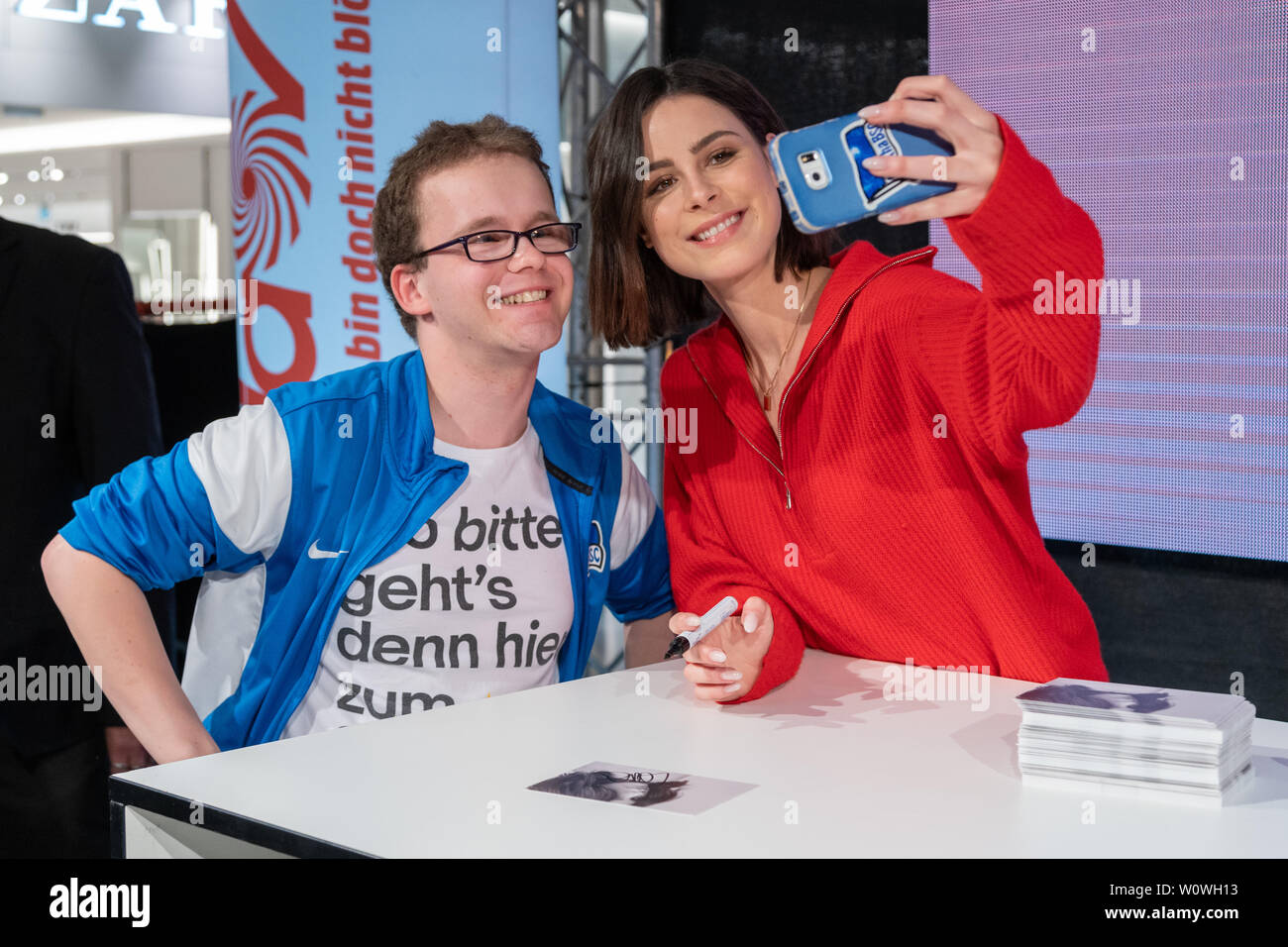 Lena Meyer Landrut L High Resolution Stock Photography And Images Alamy