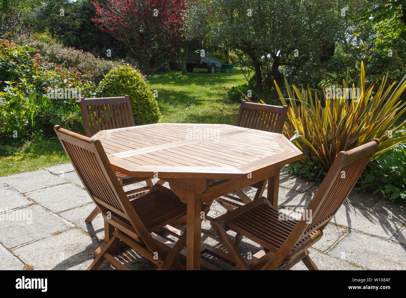Wooden Garden Furniture Stock Photos Wooden Garden Furniture