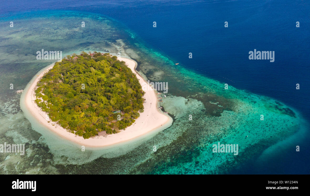 mantigue-island-philippines-tropical-isl