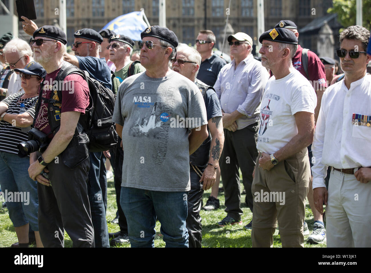 Former Paras protest in London as  former British soldier faces murder charges over 1972 shootings on Bloody Sunday, Londonderry, Northern Ireland - Stock Image