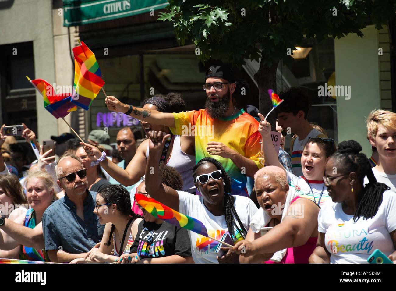 New York, NY, USA. 30th June, 2019. Onlookers pack the sidewalks during the 2019 NYC-World Pride March on June 30, 2019 in New York. Credit: Bryan Smith/ZUMA Wire/Alamy Live News - Stock Image