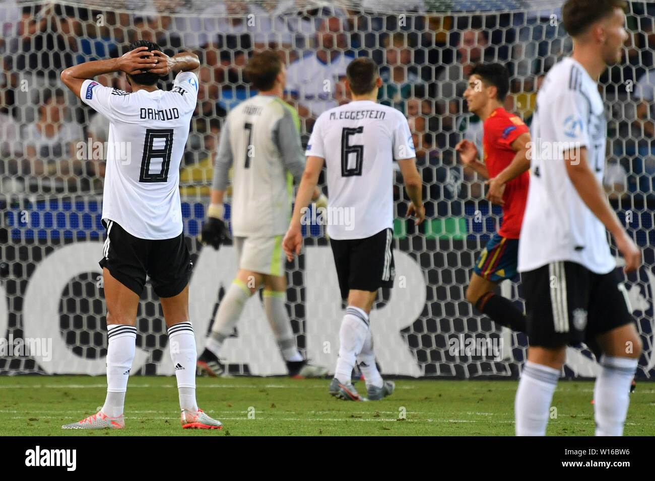 Udine, Italien. 30th June, 2019. Mahmoud DAHOUD (GER, left) Disappointment, frustrated, disappointed, frustrated, dejected, after Ggeentor to 2-0, action. Spain (ESP) - Germany (GER) 2-1, at 30.06.2019 Stadio Friuli Udine. Football U-21, FINALE UEFA Under21 European Championship in Italy/SanMarino from 16.-30.06.2019. | Usage worldwide Credit: dpa/Alamy Live News - Stock Image