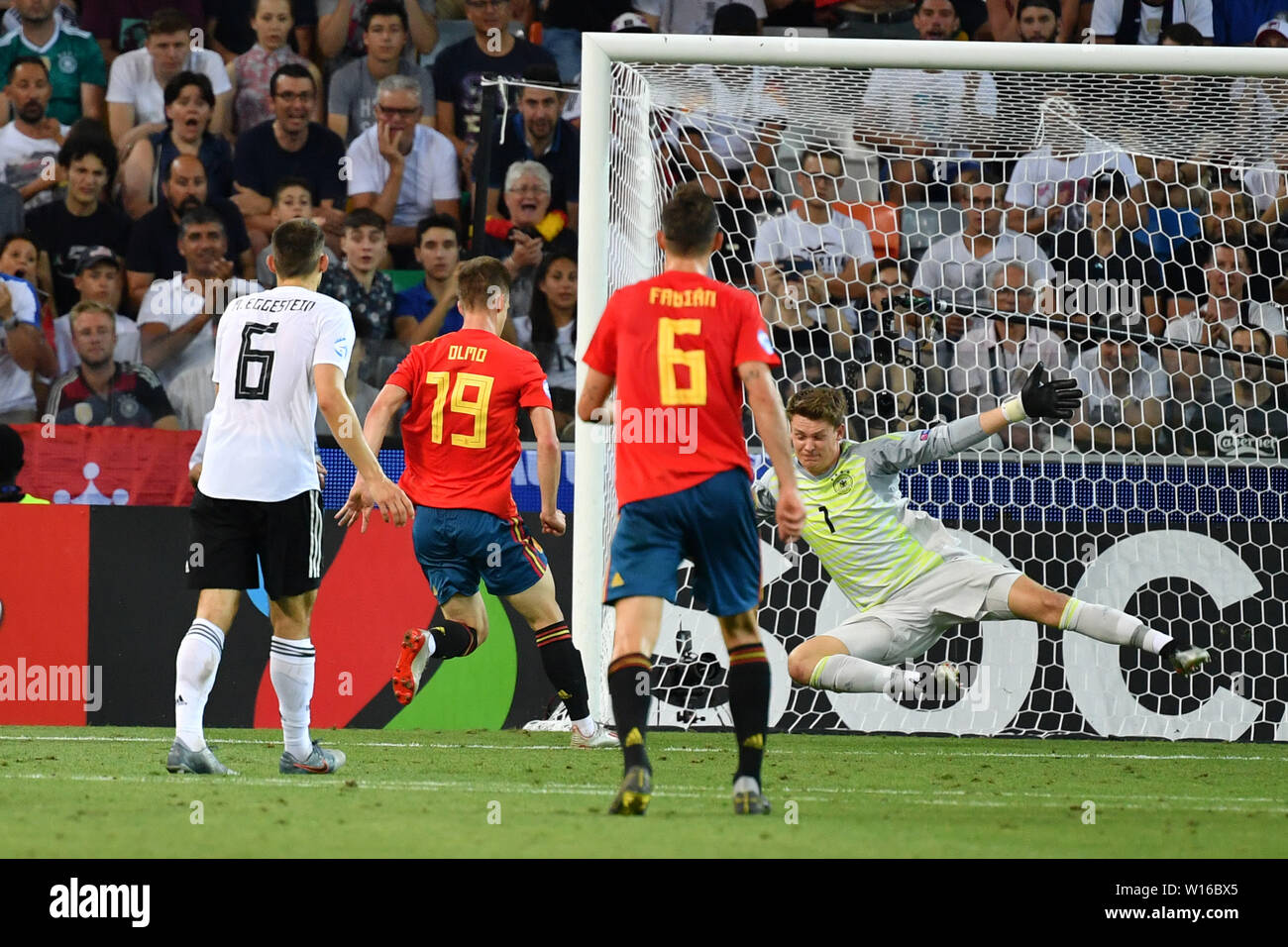 Udine, Italien. 30th June, 2019. goal to 2-0 by Dani OLMO (ESP, 19), action, goal shot versus Alexander NUEBEL, goalkeeper (GER). Spain (ESP) - Germany (GER) 2-1, at 30.06.2019 Stadio Friuli Udine. Football U-21, FINALE UEFA Under21 European Championship in Italy/SanMarino from 16.-30.06.2019. | Usage worldwide Credit: dpa/Alamy Live News - Stock Image