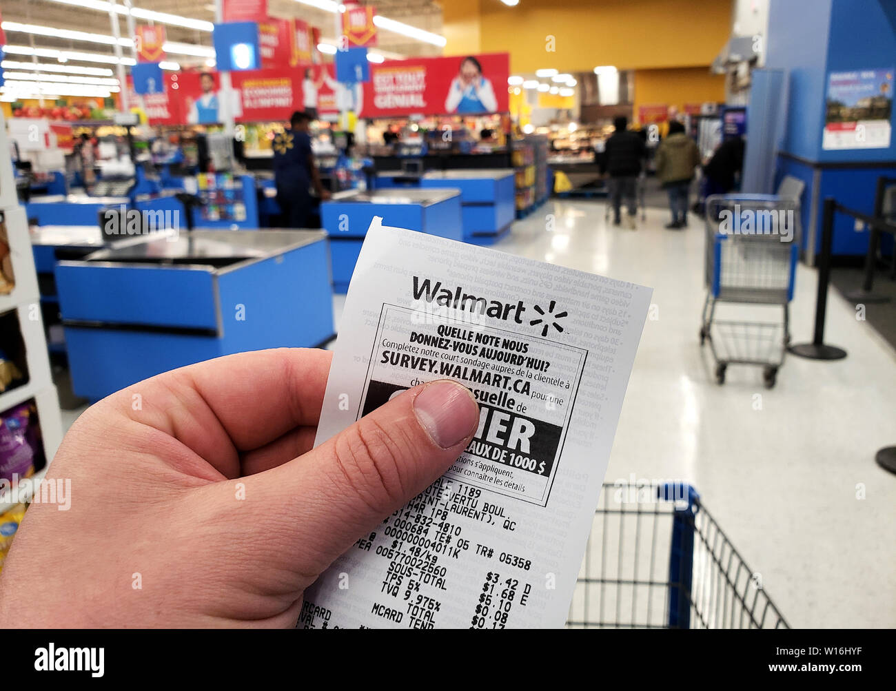 Walmart Check Out Stock Photos & Walmart Check Out Stock Images - Alamy