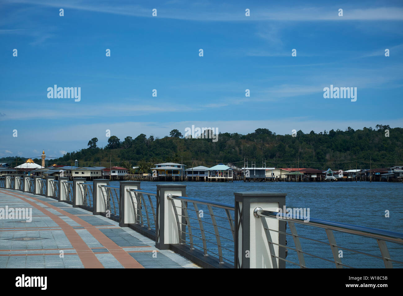 A look at water village Kampong Ayer from across the Brunei river at the new riverside promenade in downtown Bandar Seri Begawan,Brunei. - Stock Image