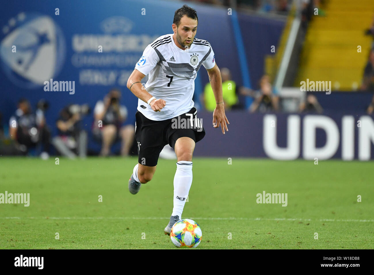 Udine, Italien. 30th June, 2019. Levin OEZTUNALI (GER), Action, Single Action, Frame, Cut Out, Full Body, Whole Figure. Spain (ESP) - Germany (GER) 2-1, at 30.06.2019 Stadio Friuli Udine. Football U-21, FINALE UEFA Under21 European Championship in Italy/SanMarino from 16.-30.06.2019. | Usage worldwide Credit: dpa/Alamy Live News - Stock Image