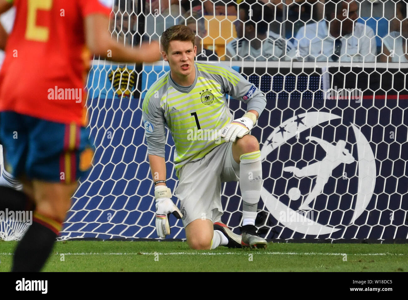 Udine, Italien. 30th June, 2019. Alexander NUEBEL, goalie (GER) at the ground after goal 1-0, disappointment, frustrated, disappointed, frustratedriert, dejected, .action. Spain (ESP) - Germany (GER) 2-1, at 30.06.2019 Stadio Friuli Udine. Football U-21, FINALE UEFA Under21 European Championship in Italy/SanMarino from 16.-30.06.2019. | Usage worldwide Credit: dpa/Alamy Live News - Stock Image