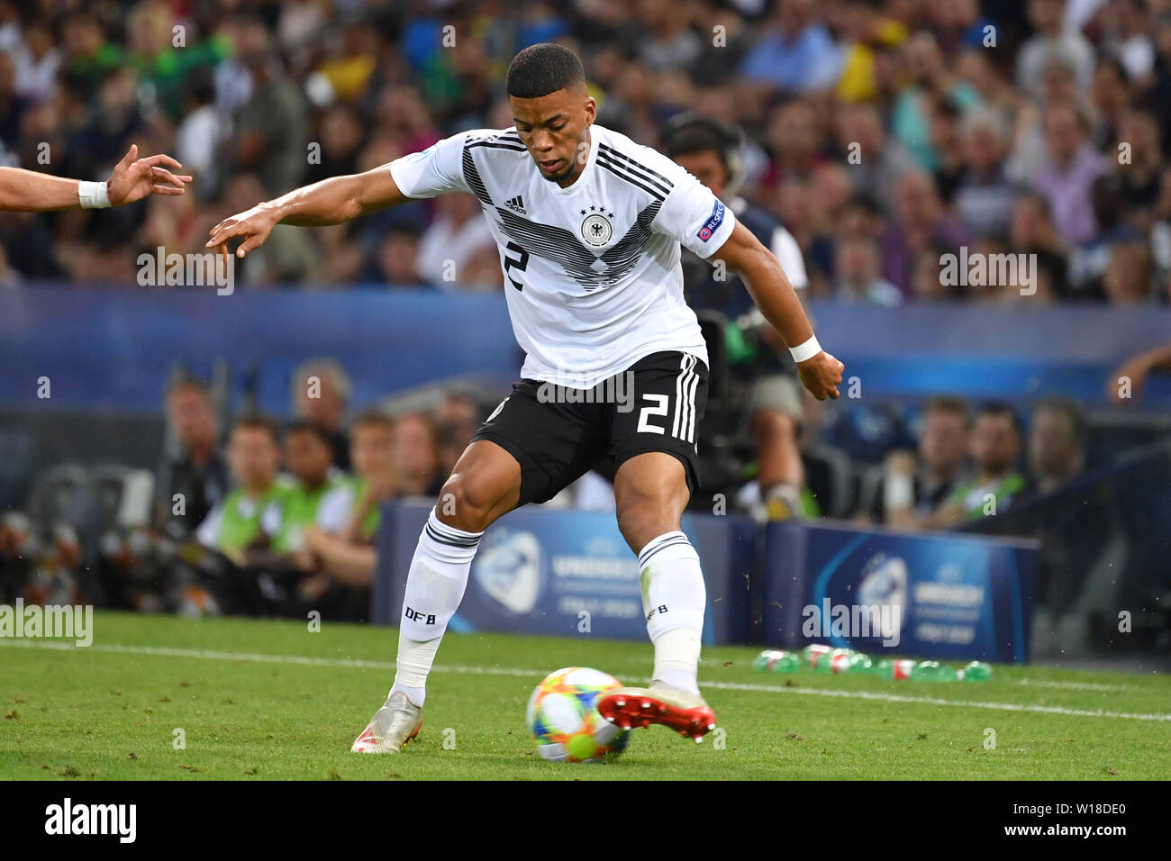 Udine, Italien. 30th June, 2019. Benjamin HENRICHS (GER), Action, Single Action, Frame, Cut Out, Full Body, Whole Figure. Spain (ESP) - Germany (GER) 2-1, at 30.06.2019 Stadio Friuli Udine. Football U-21, FINALE UEFA Under21 European Championship in Italy/SanMarino from 16.-30.06.2019. | Usage worldwide Credit: dpa/Alamy Live News - Stock Image