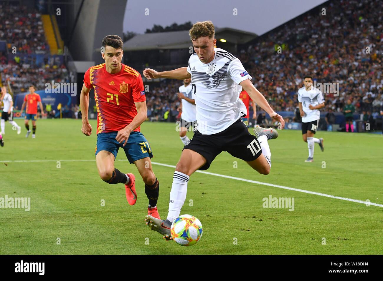 Luca WALDSCHMIDT (GER), Action, duels versus Marc ROCA (ESP). Spain (ESP) - Germany (GER) 2-1, at 30.06.2019 Stadio Friuli Udine. Football U-21, FINALE UEFA Under21 European Championship in Italy/SanMarino from 16.-30.06.2019. | Usage worldwide - Stock Image