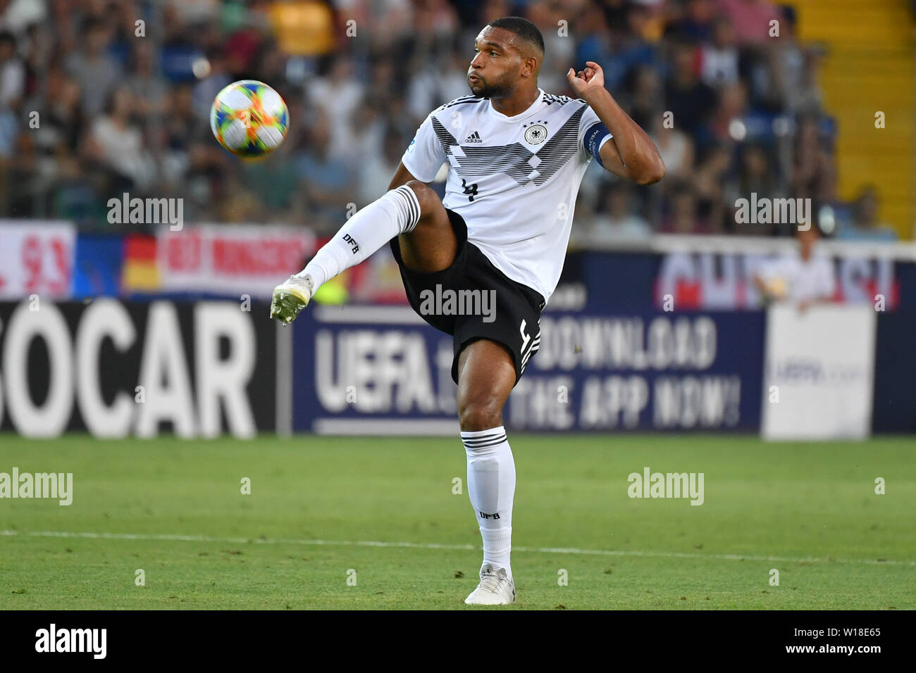 Udine, Italien. 30th June, 2019. Jonathan TAH (GER), Action, Single Action, Frame, Cut Out, Full Body, Whole Figure. Spain (ESP) - Germany (GER) 2-1, at 30.06.2019 Stadio Friuli Udine. Football U-21, FINALE UEFA Under21 European Championship in Italy/SanMarino from 16.-30.06.2019. | Usage worldwide Credit: dpa/Alamy Live News - Stock Image