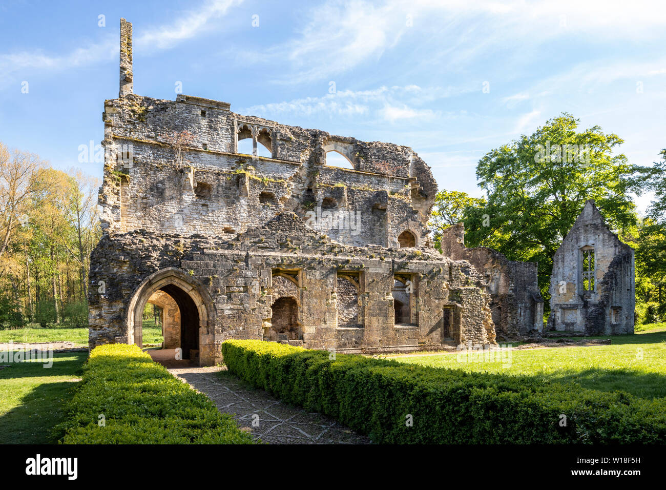 Evening light on the ruins of Minster Lovell Hall, a 15th century manor house beside the River Windrush, Minster Lovell, Oxfordshire UK Stock Photo