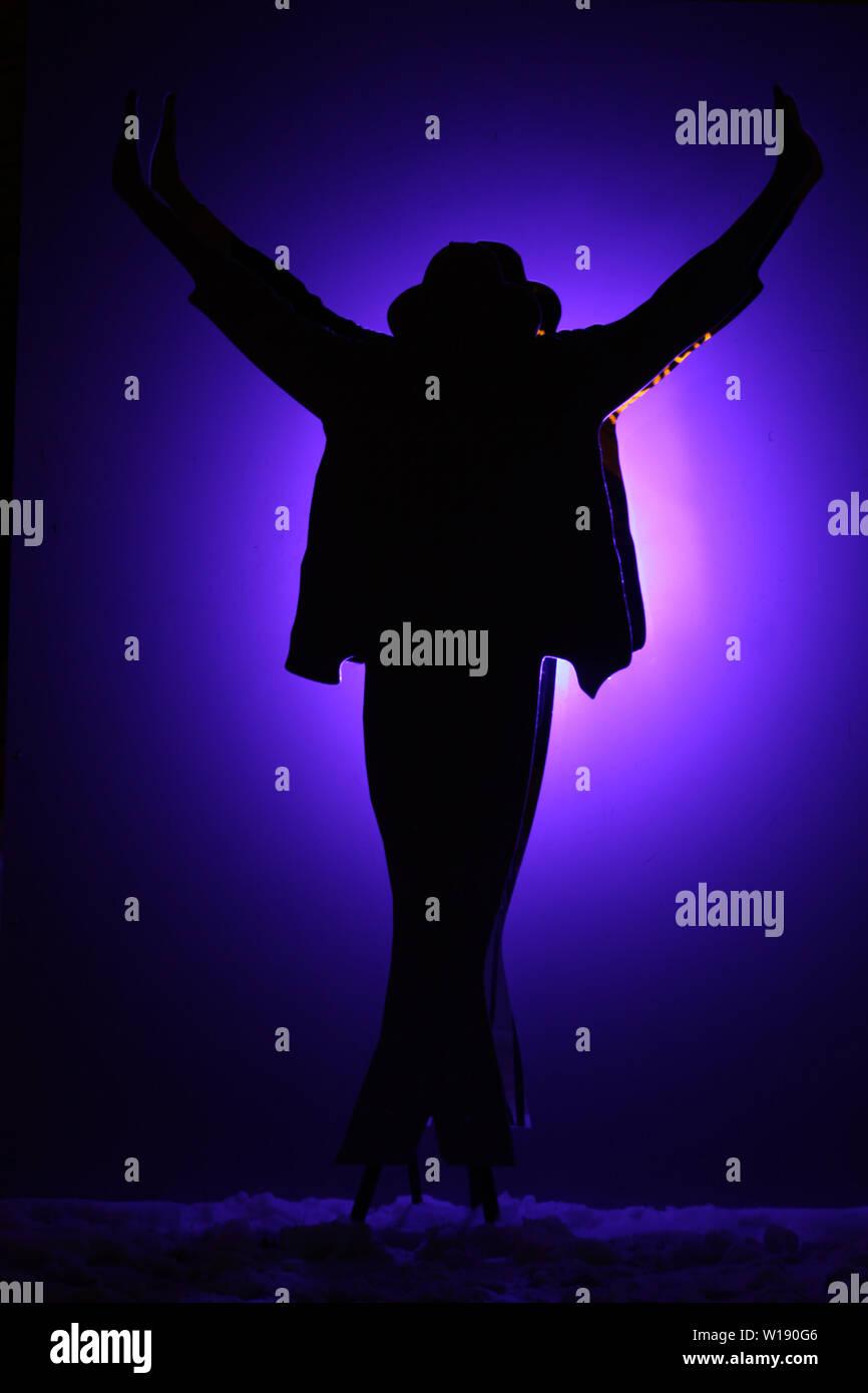 Silhouette Sculpture Pose Michael Jackson Stock Photo Alamy