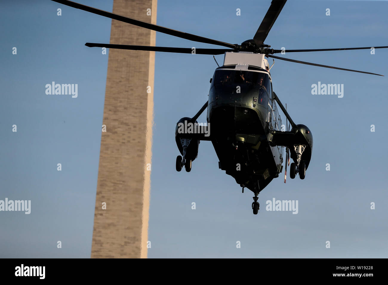Washington DC, USA. 30th June, 2019. Marine One, with United States President Donald J. Trump aboard, arrives on the South Lawn of the White House on June 30, 2019 in Washington, DC. as the President returns to from South Korea. Credit: MediaPunch Inc/Alamy Live News Stock Photo