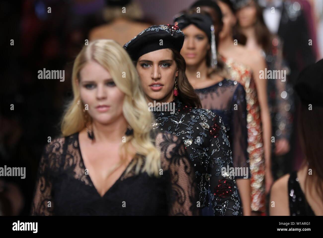 the best attitude 26867 c3009 Models walk the runway at the Guido Maria Kretschmer show ...
