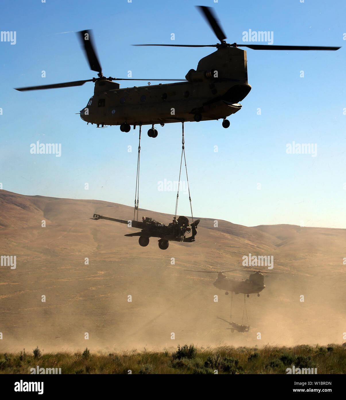 Towed Artillery Stock Photos & Towed Artillery Stock Images - Alamy
