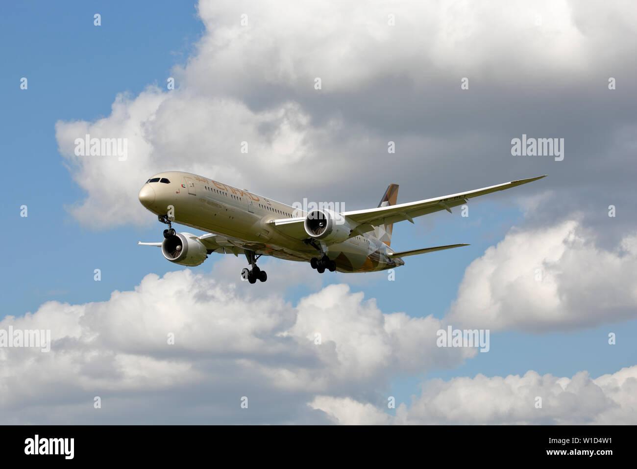 A6-BLI Etihad Airways Boeing 787-9 Dreamliner - Stock Image