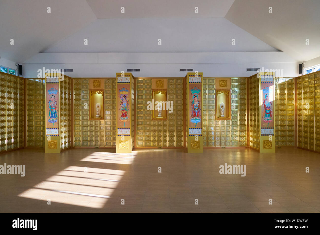 Inside the Memorial Shrine building at the Che Sui Khor Chinese temple in Kota Kinabalu, Borneo, Malaysia. - Stock Image