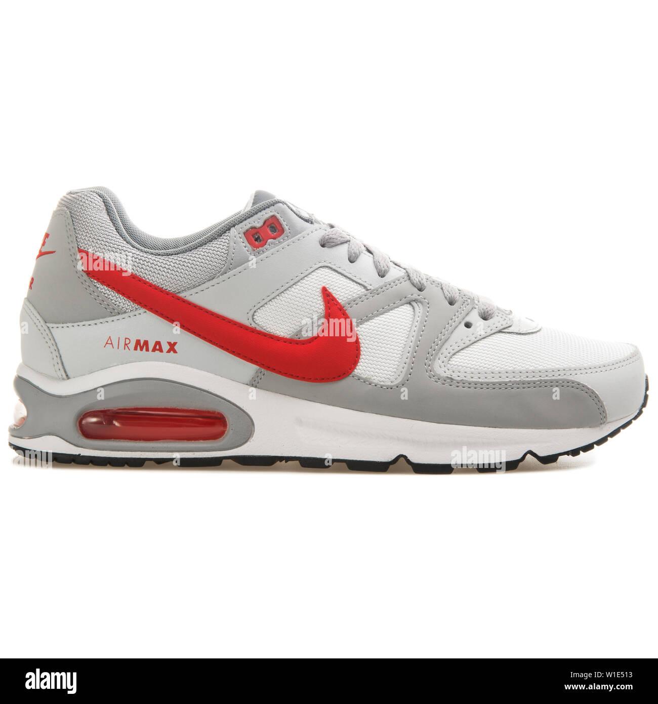 Nike Air Max Command Sneaker 2017