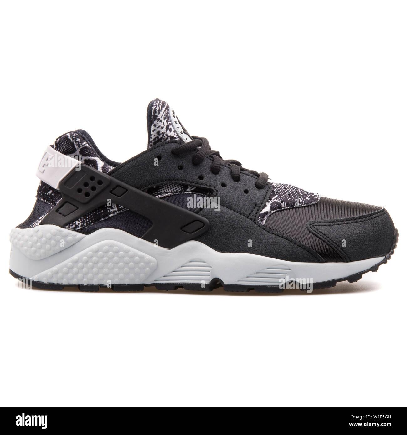 Nike Air Huarache Run Print black and