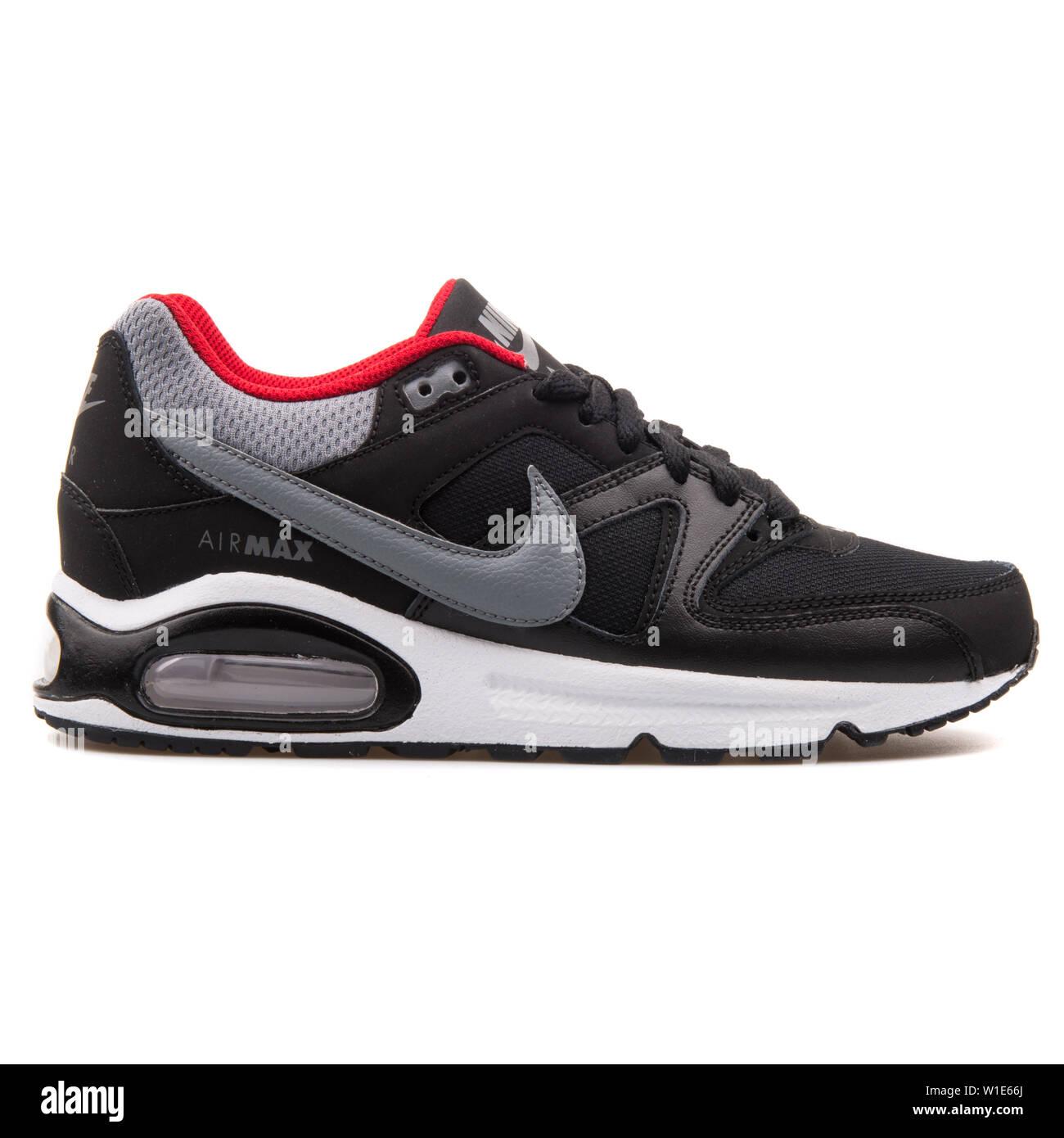 2017: Nike Air Max Command black, grey