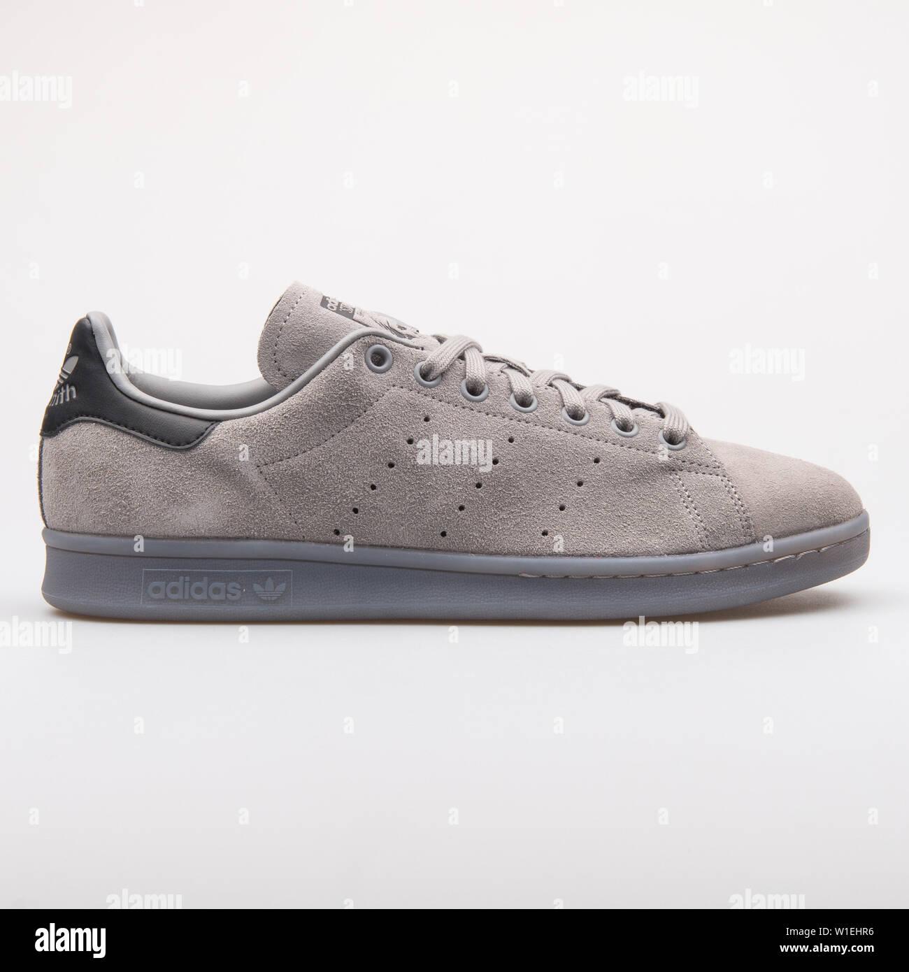 Muestra Acera hipótesis  VIENNA, AUSTRIA - AUGUST 23, 2017: Adidas Stan Smith grey sneaker on white  background Stock Photo - Alamy