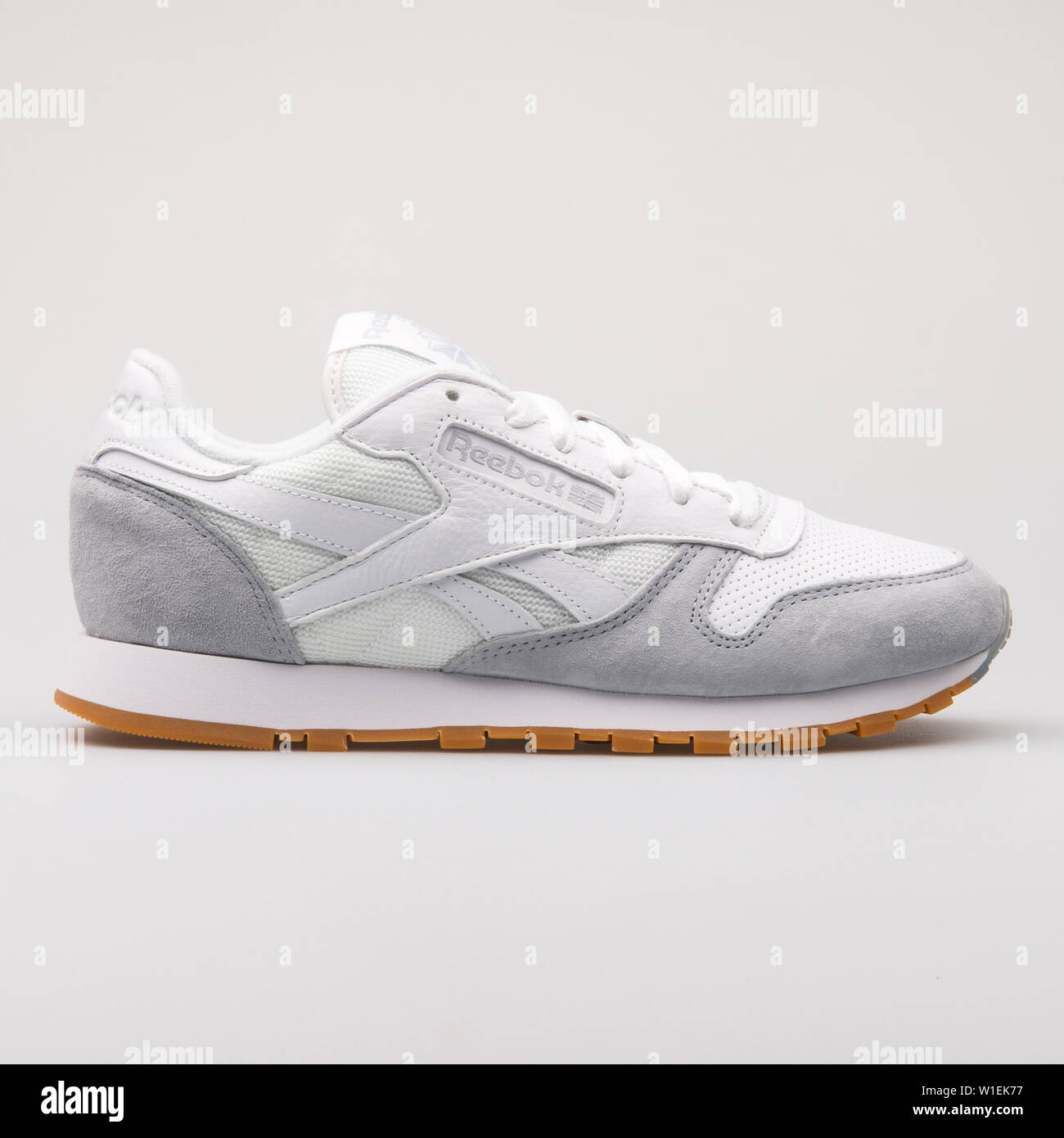 reebok classic gris y blanco
