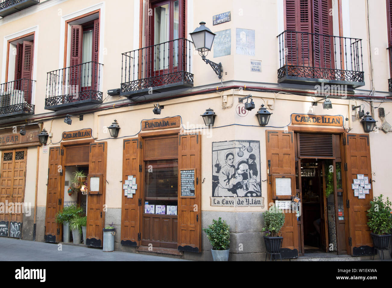 Fotografo Cava Dei Tirreni page 2 - la cava high resolution stock photography and