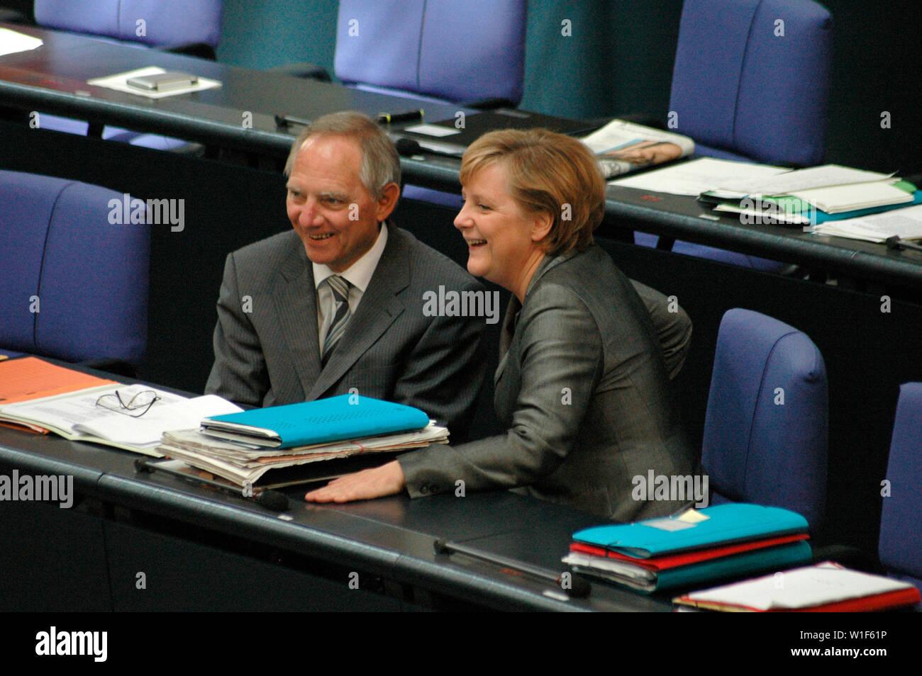 Wolfgang Schaeuble, Angela Merkel  - Sitzung im Bundestag am 29. Juni 2006, Reichstagsgebaeude, Berlin-Tiergarten . Stock Photo