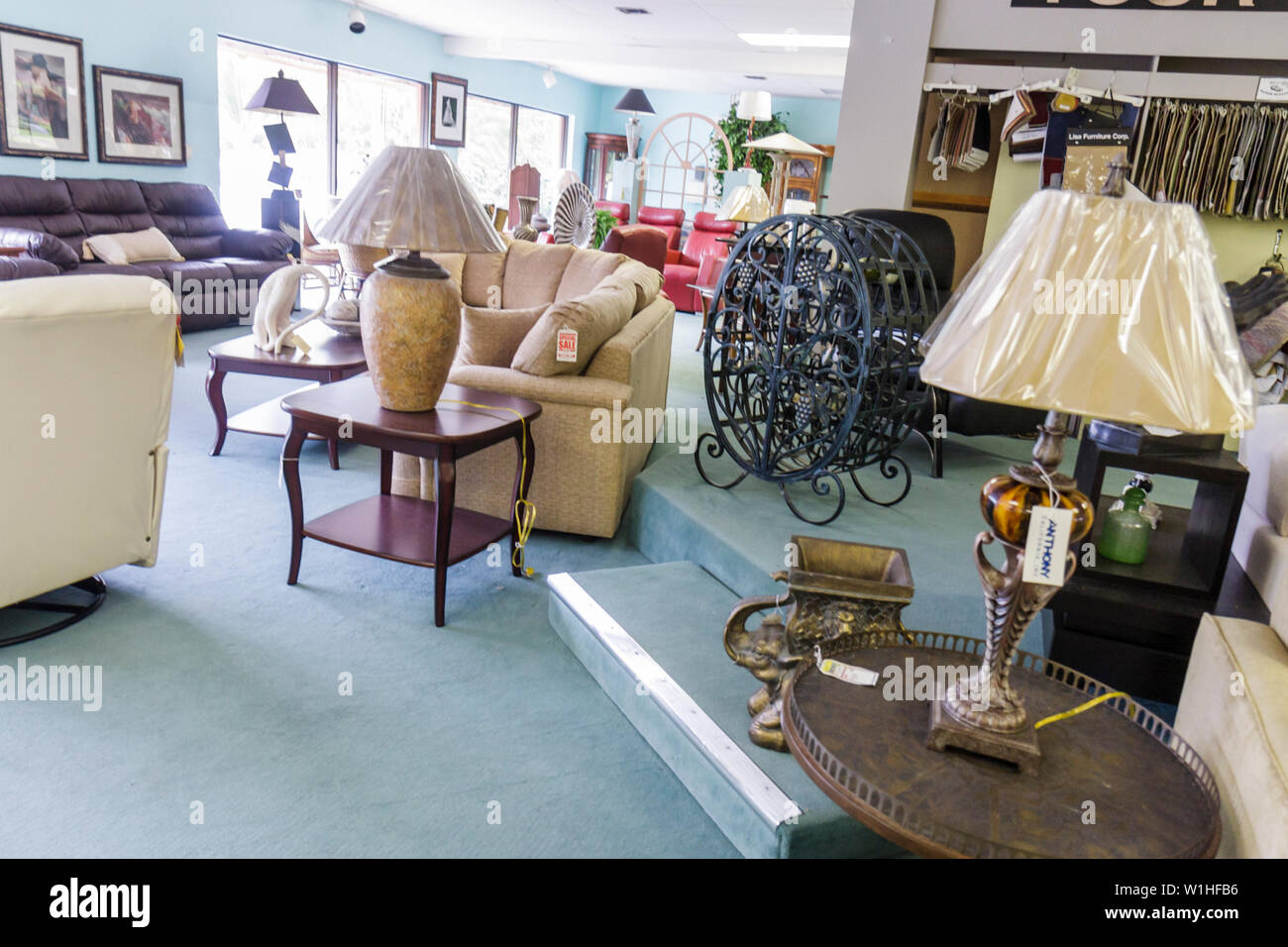 naples florida furniture store business retail showroom couch sofa table lamp furnishing decor shopping stock