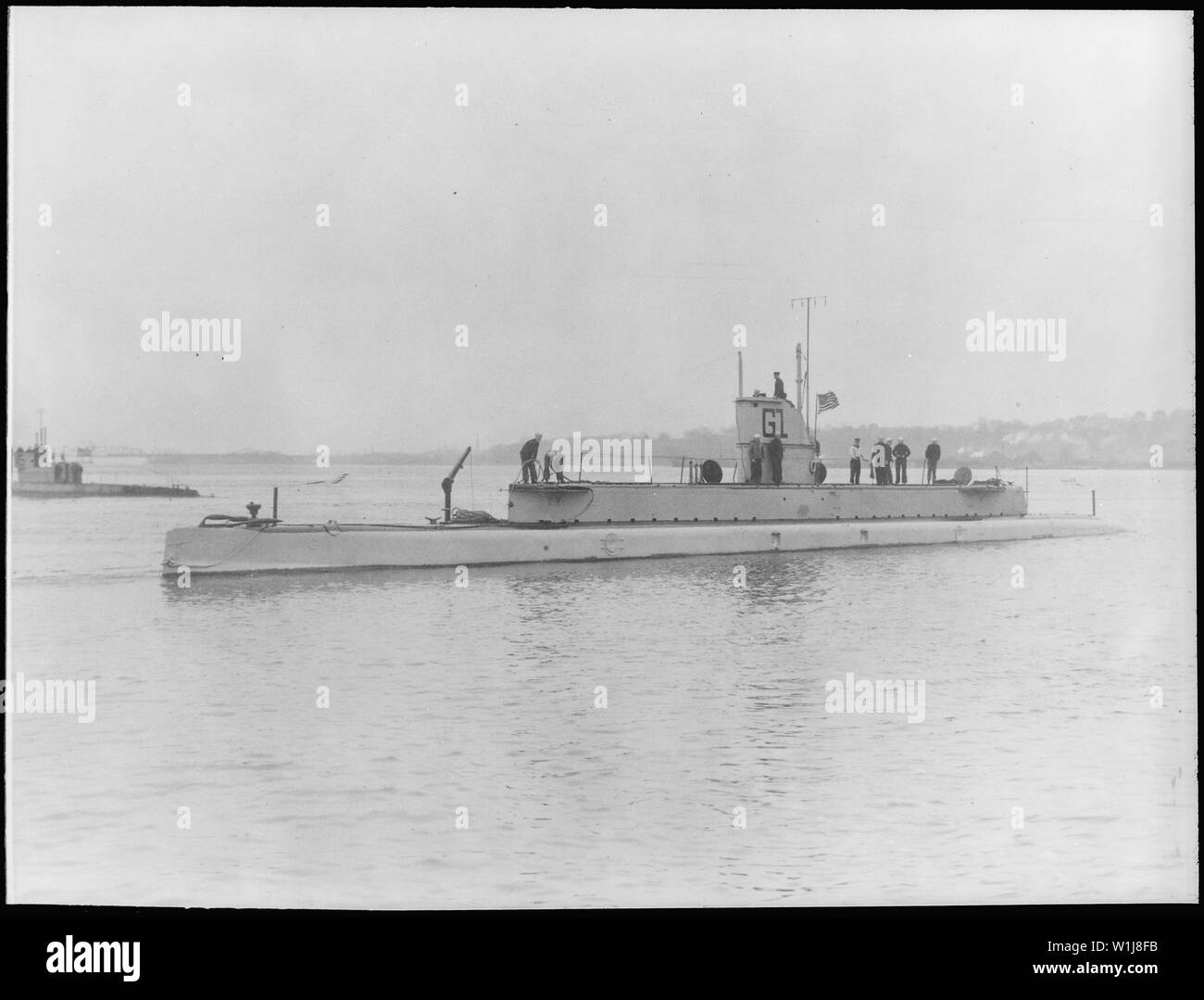 Seal (SS19 1/2), renamed G1. Port bow, crew on deck, 1912 - Stock Image