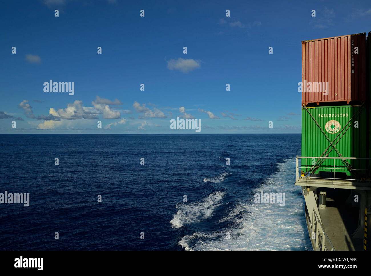 caribbean sea, international waters - october 19, 2013: view from the forecastle of containership conti daphne (imo 9357121) onto the sea - Stock Image