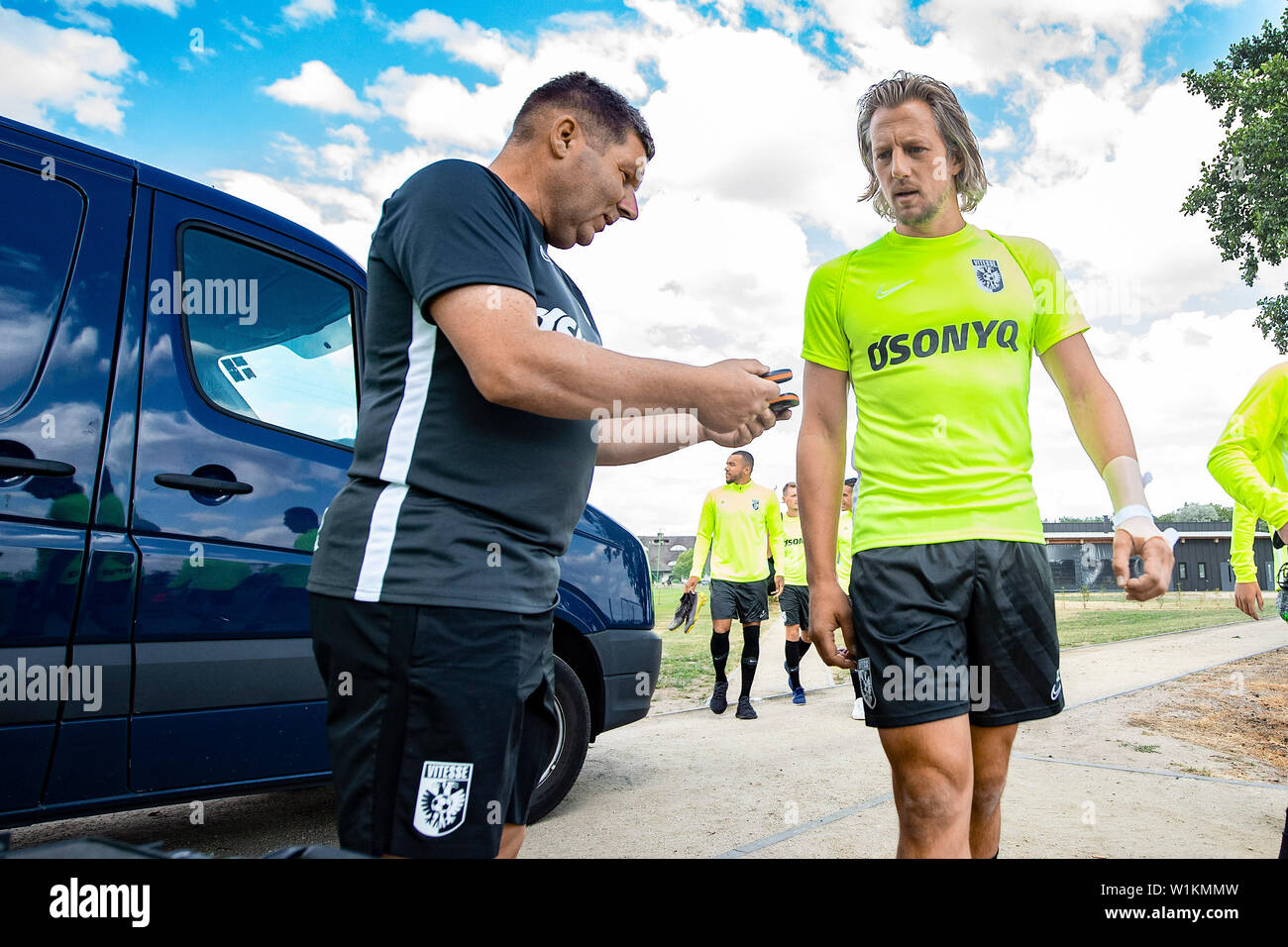 OPALENICA, 03-07-2019, Dutch football, Eredivisie, season 2019 / 2020, kitman Marco Kamphuis and Vitesse goalkeeper Remko Pasveer before training in Opalenica - Stock Image