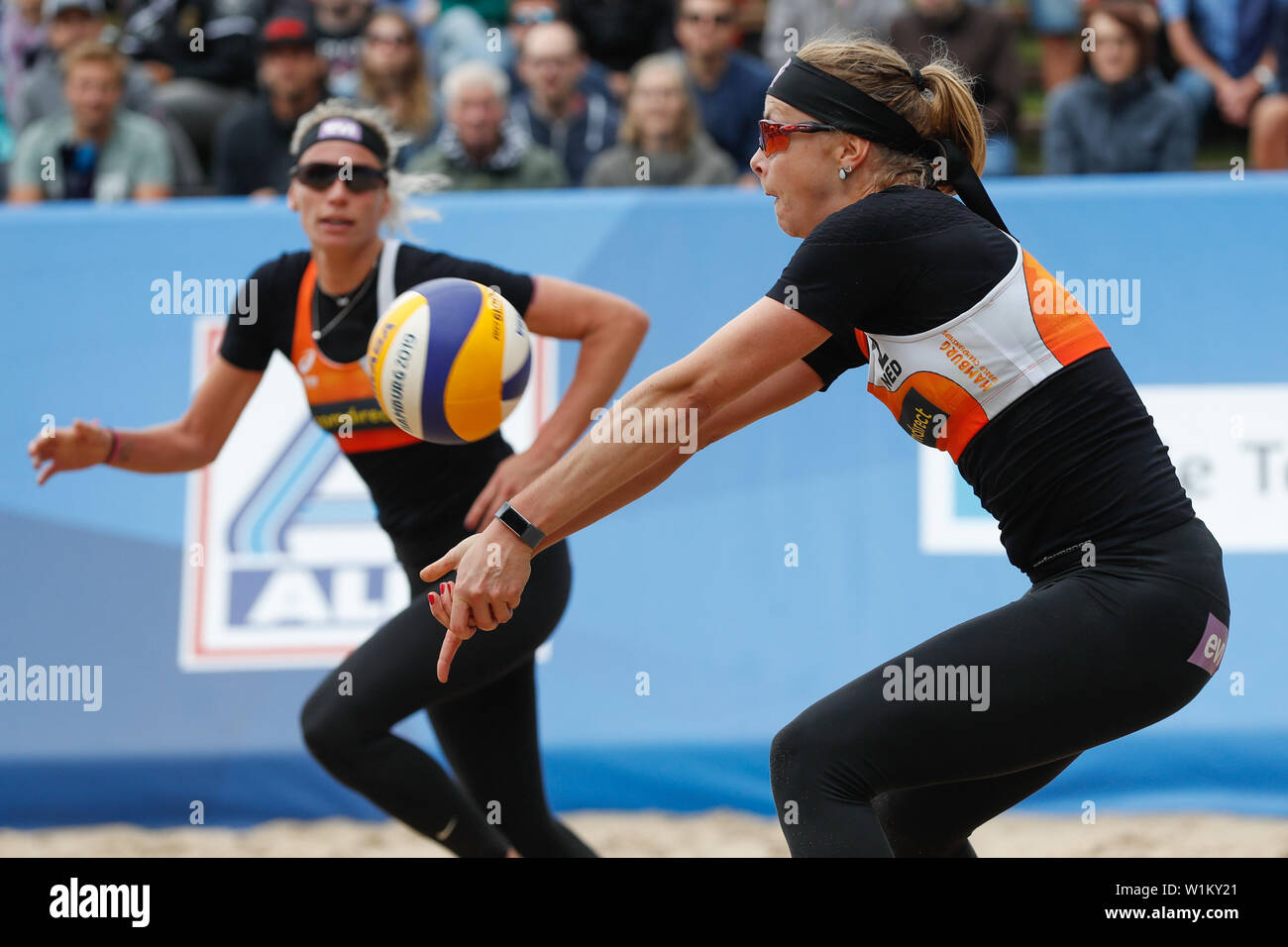 2 july 2019 Hamburg, Germany World Championship Beachvolleyball  WK Beachvolleybal 2019 - Dag 1 - Hamburg - Duitsland L-R Tanja Huberli (SUI,1), Nina - Stock Image