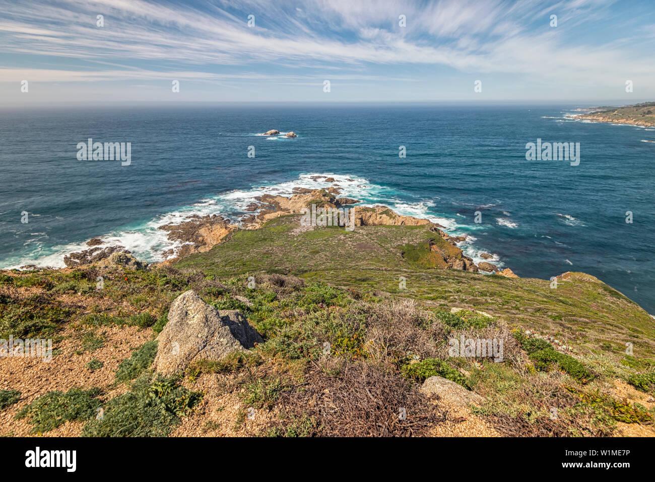 Coastal view from atop Whale Peak. Garrapata State Park, Monterey coast, California, USA. - Stock Image