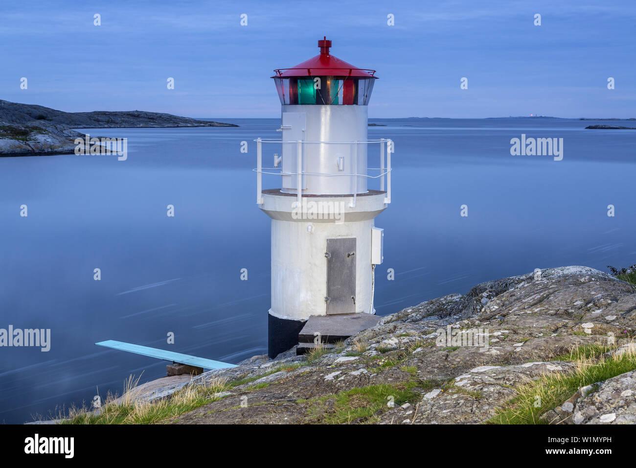 Lighthouse at the coast of the North Sea near Mollösund, Island Orust, Bohuslän, Västergötland, Götaland, South Sweden, Sweden, Scandinavia, Northern - Stock Image