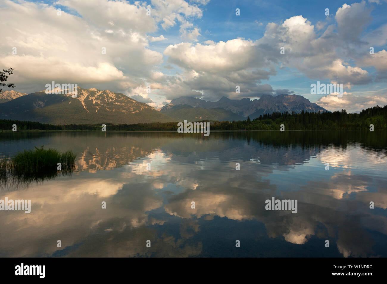 Barmsee, view to Soierngruppe and Karwendel, Werdenfels region, Bavaria, Germany - Stock Image