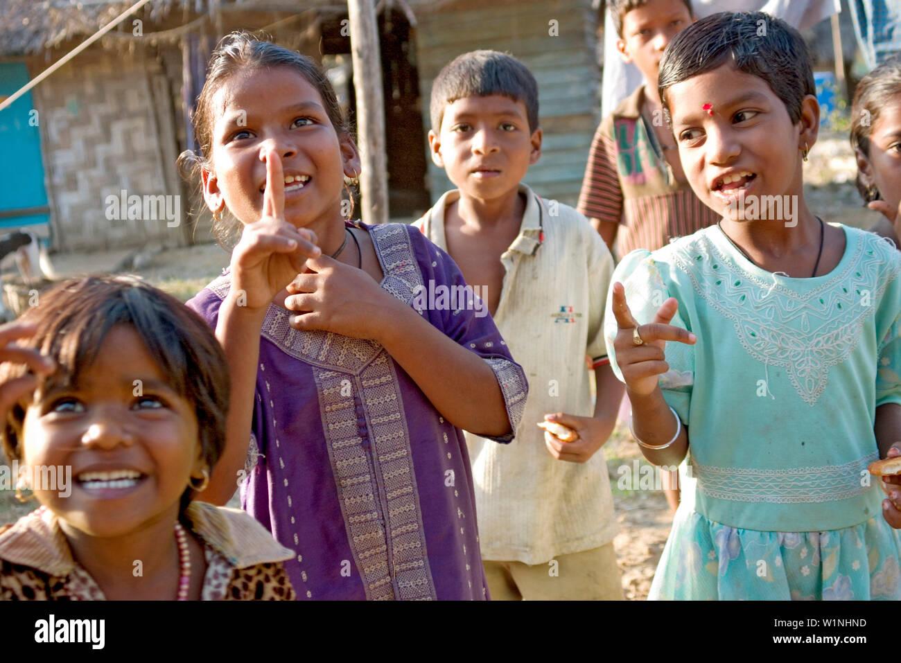 Children in fishing village, Cuthbert Bay, Andaman, Kinder in Fischerdorf, Andamanen, Indien children in fishing village, Andaman Islands, India - Stock Image