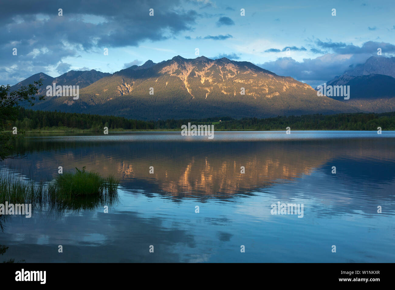 Barmsee, view to Soierngruppe, Werdenfels region, Bavaria, Germany - Stock Image
