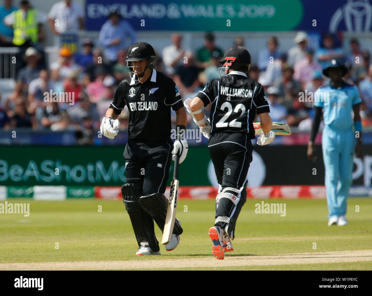 Emirates Riverside, Chester-le-Street, Durham, UK. 3rd July, 2019. ICC World Cup Cricket, England versus New Zealand; Ross Taylor and Kane Williamson steadied the New Zealand innings after the early losses of Henry Nicholls and Martin Guptill Credit: Action Plus Sports/Alamy Live News - Stock Image