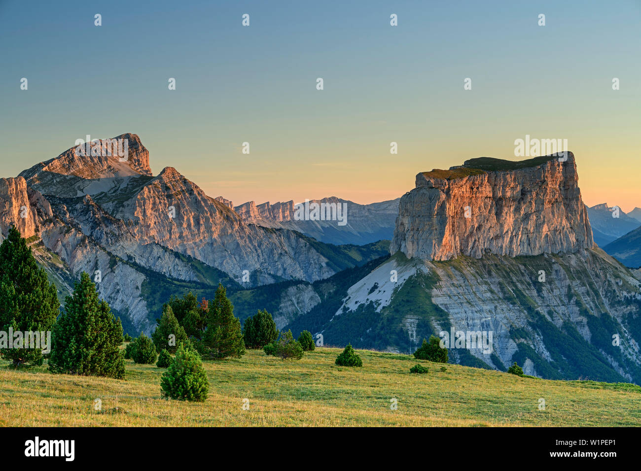 Grand Veymont and Mont Aiguille in the morning light, from the Tête Chevalier, Vercors, Dauphine, Dauphine, Isère, France - Stock Image